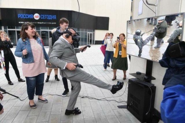 Дмитрий Киселёв стал героем фотожаб (11 фото)