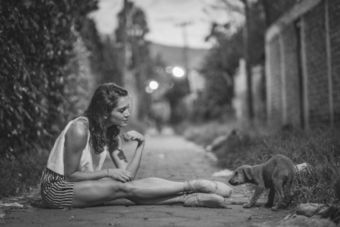 Чувственные портреты танцоров на оживленных улицах (18 фото)
