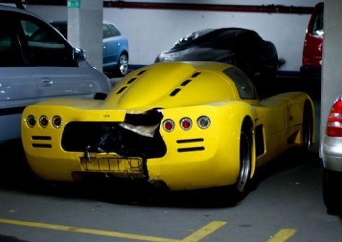 Разбитые суперкары и дорогие автомобили (30 фото)