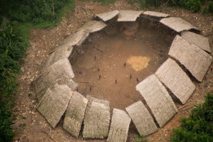 Невероятные кадры амазонского племени (6 фото)