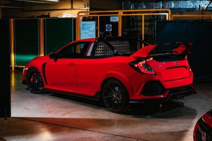 Из Honda Civic Type R сделали очень быстрый пикап (6 фото)