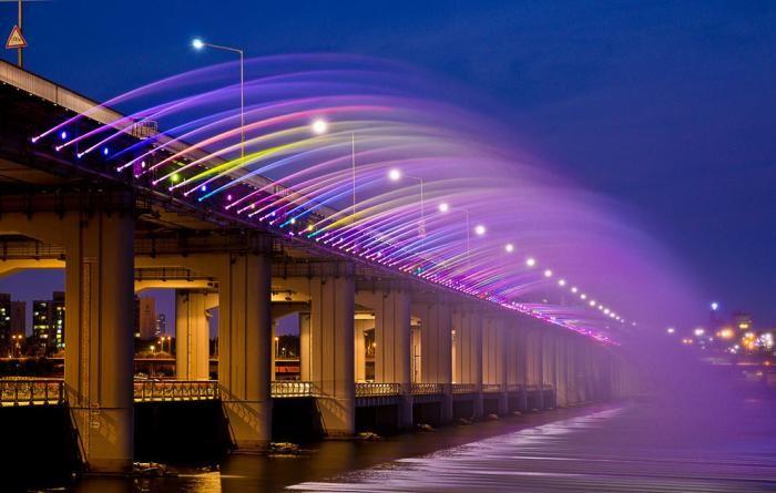 Самый длинный фонтан в мире (14 фото)