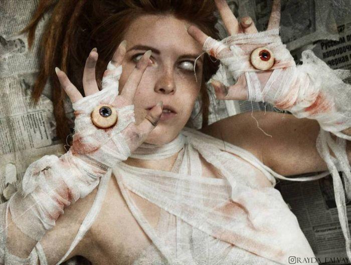 Автопортреты в стиле сюрреализм (18 фото)
