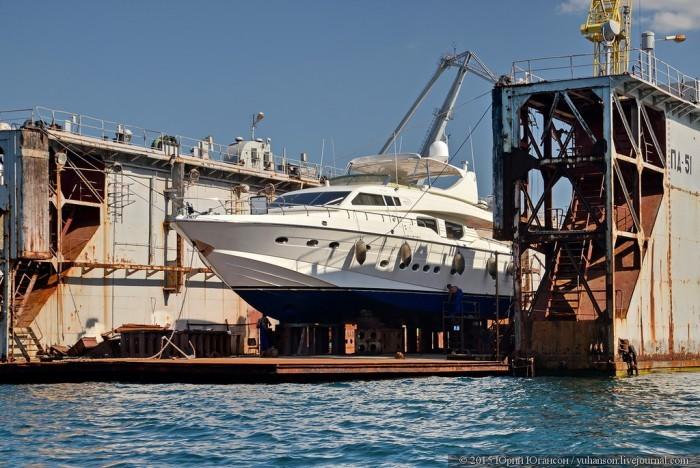 Выставка яхт в портах Крыма (28 фото)
