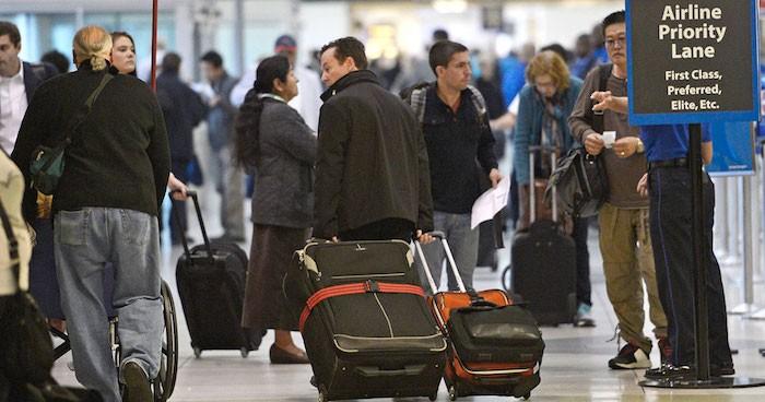 Новая «схема» обмана путешественников в аэропорту (6 фото)