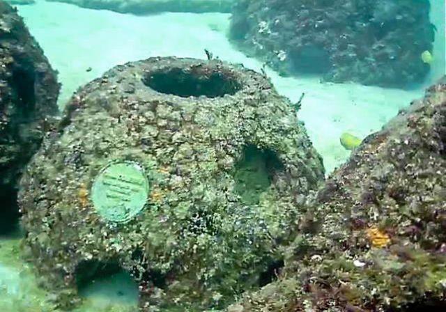 Конструкции в Карибском море (4 фото)