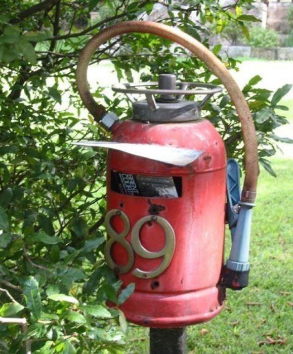 Огнетушитель, как предмет декора (21 фото)