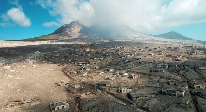 Что остается после извержения вулкана (33 фото)