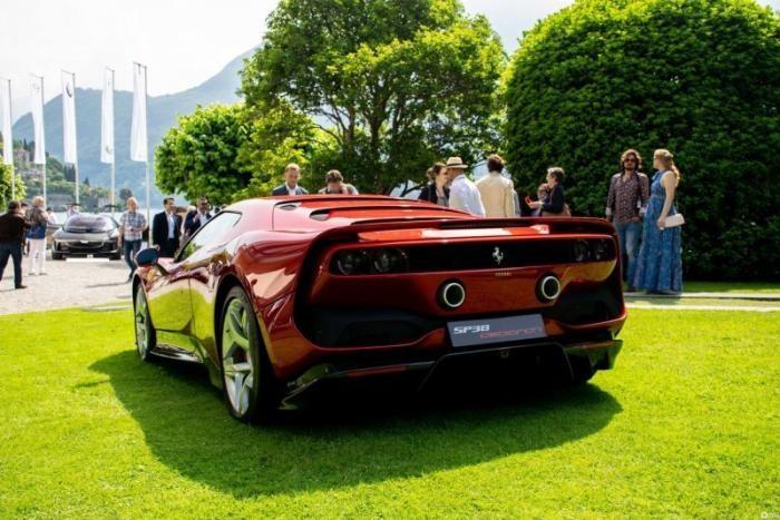 Итальянцы выпустили уникальный спорткар Ferrari SP38 (17 фото)
