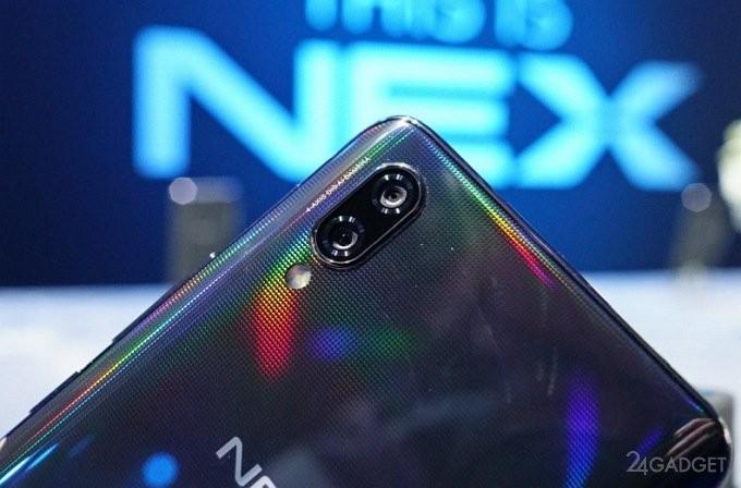 Vivo Nex — флагман с выдвижной камерой и сканером отпечатков в экране (15 фото + видео)