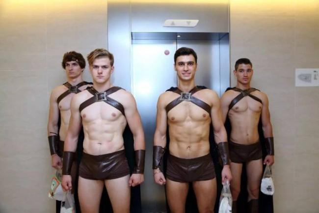 Полиция задержала сотню спартанцев за нарушение порядка (12 фото)
