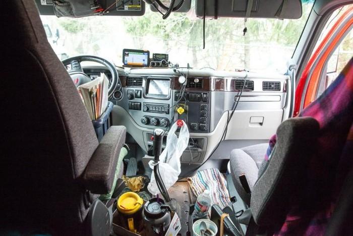 О жизни дальнобойщиков (5 фото)