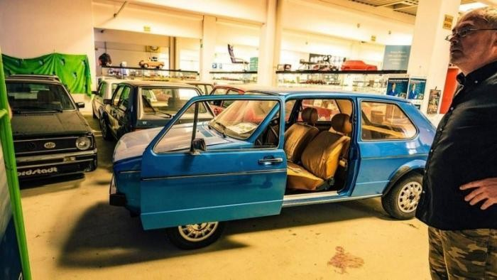 Самая большая частная коллекция Volkswagen Golf в мире (15 фото)