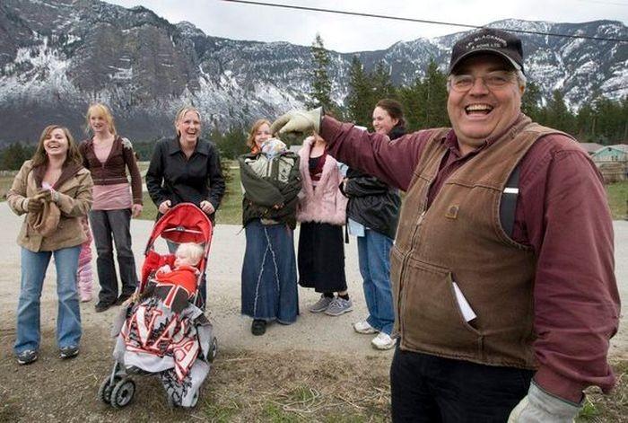 Суд вынес наказание канадцу за 24 жены и 149 детей (6 фото)