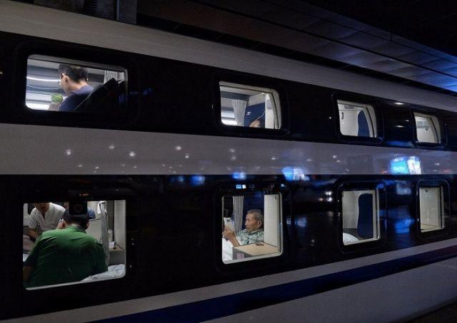 Современный плацкартный вагон в Китае (8 фото)