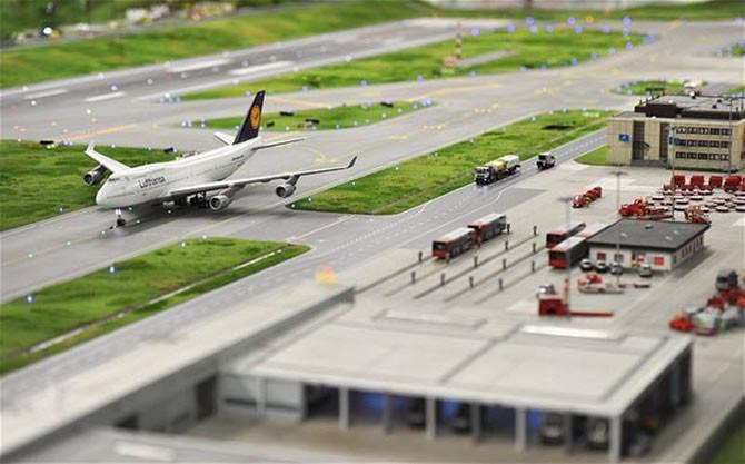 Крупнейшая в мире модель аэропорта (15 фото)