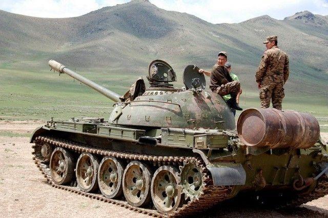 Призывники в Монголии могут официально откупиться от армии (2 фото)