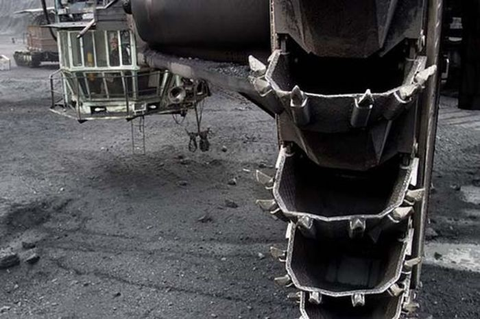 Гигантский экскаватор (18 фото)