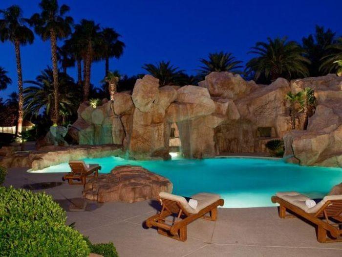 Домик в Лас-Вегасе (20 фото)