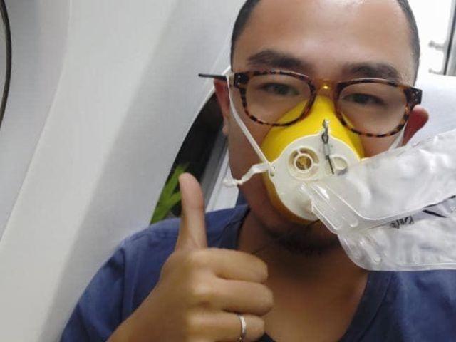 Пилот закурил в самолете, чем вызвал разгерметизацию салона (3 фото)