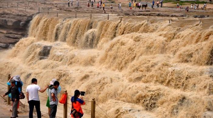 Самые опасные реки планеты (7 фото)