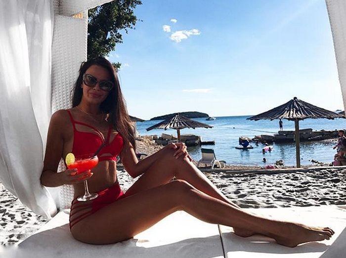 Ивана Кнолл - самая сексуальная хорватская болельщица (20 фото)