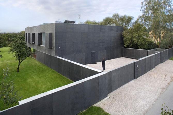Очень надежный дом (16 фото)