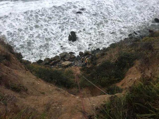 7 дней на безлюдном пляже (7 фото)