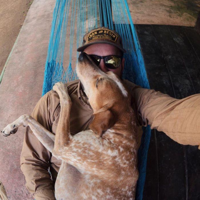 Терон и Мэдди путешествуют по миру (21 фото)