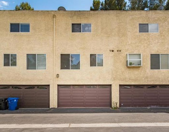 Недорогая аренда жилья с гаражом (4 фото)