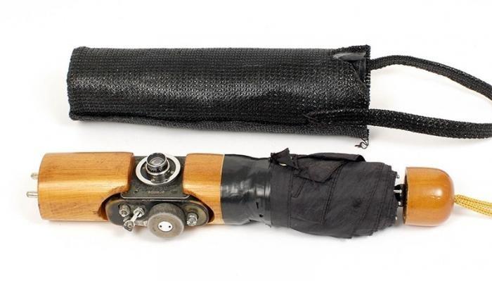 В Англии на аукционе продали советские шпионские камеры (3 фото)