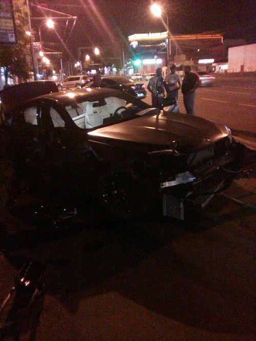 Федор Смолов разбил автомобиль за 9 миллионов рублей (4 фото)