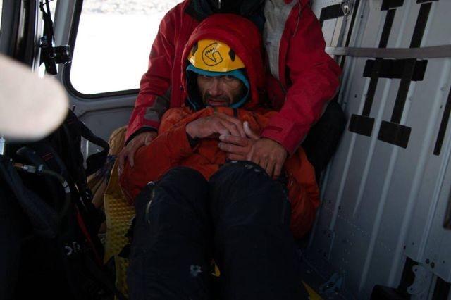 Спасение альпиниста (6 фото)