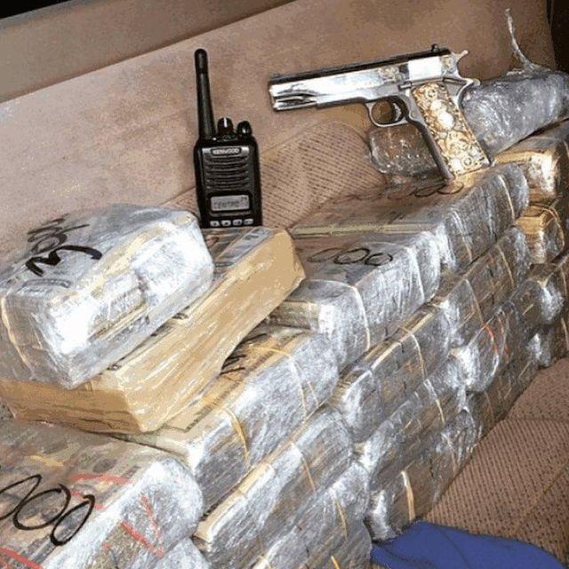 Фотографии из Instagram мексиканских наркобаронов (21 фото)