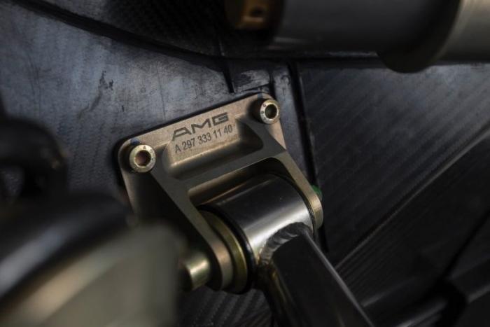 Mercedes-Benz AMG CLK GTR из 90-х дороже, чем новый Mercedes-AMG (30 фото)