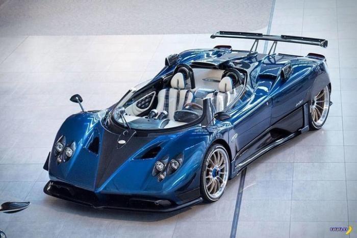 Самый дорогой серийный автомобиль современности (4 фото)
