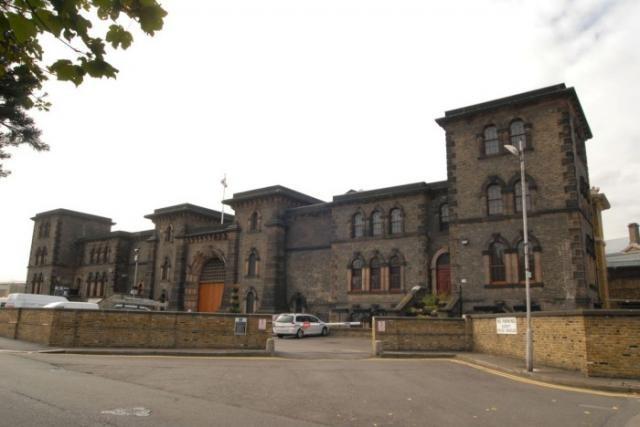 Заключенный обманул начальство тюрьмы и был отпущен на свободу (2 фото)