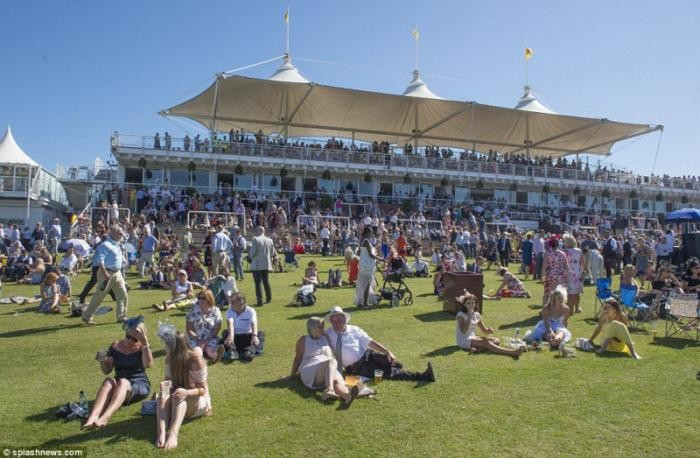 День Леди на Qatar Goodwood festival (14 фото)