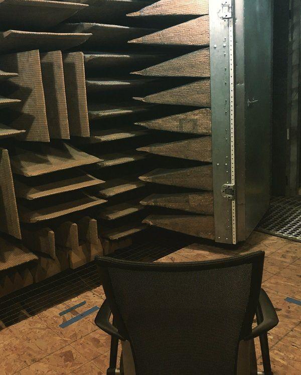 """""""Безэховая камера"""" - самое тихое место в мире (4 фото)"""