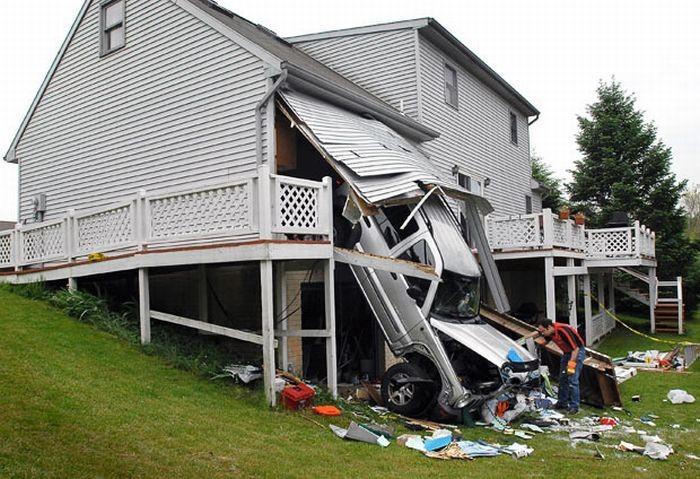 Необычные аварии (24 фото)