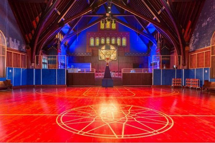 Nike выкупила церковь и превратила в огромный спортзал (4 фото)