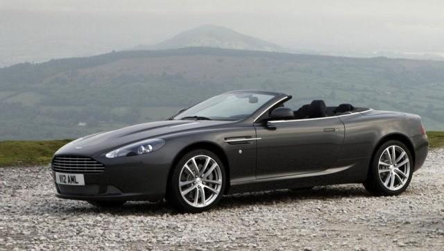 Стоимость ремонта Aston Martin после несильного удара в бок (3 фото)