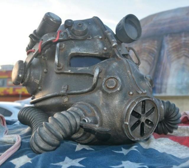 Оригинальный шлем из Fallout своими руками (8 фото)