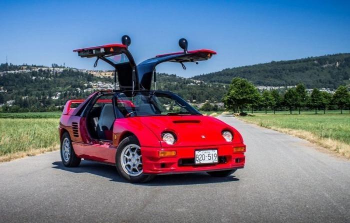 Mazda Autozam AZ-1: маленький двухместный спортивный автомобиль (14 фото)