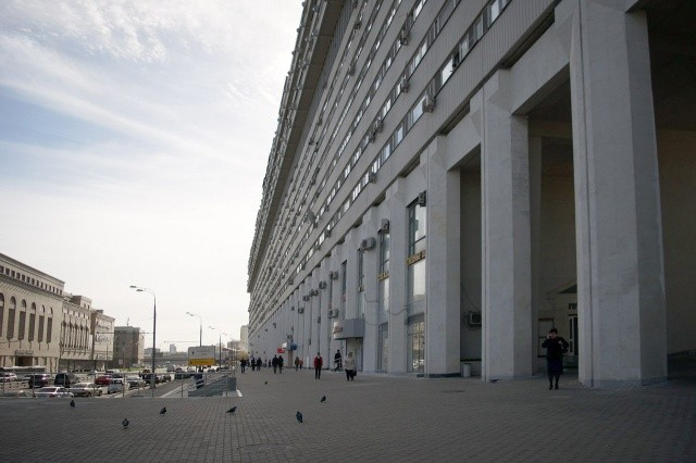 Необычное 14-этажное здание в Москве (6 фото)