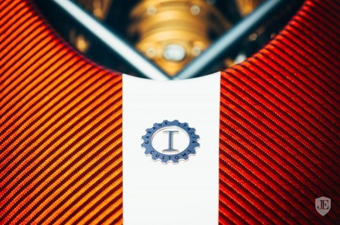 Эксклюзивный Pagani Huayra с пробегом восемь километров (29 фото)
