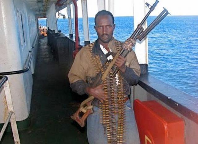 Арсенал сомалийских пиратов (24 фото)