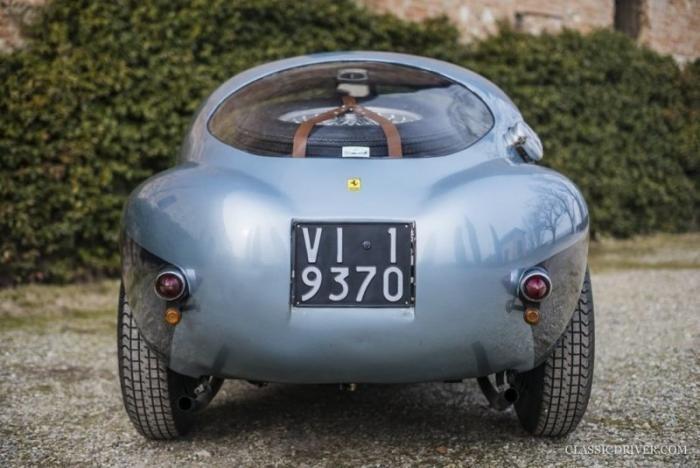 Самая уродливая Ferrari всех времен (10 фото)