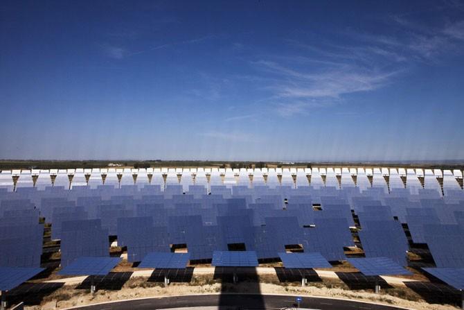 Уникальная гелиоэлектростанция (9 фото)