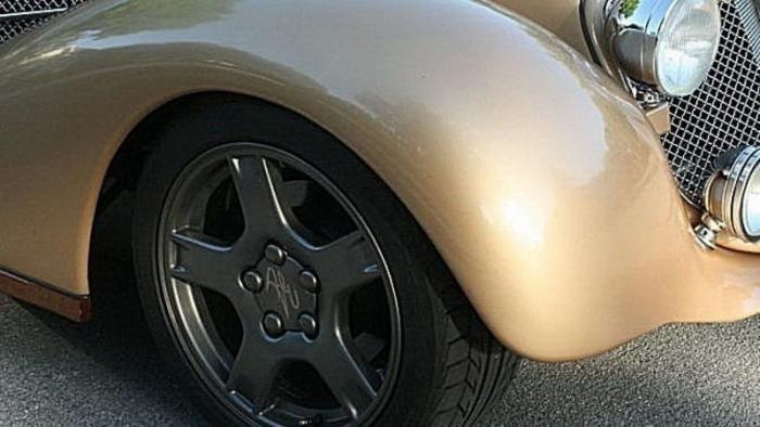 Bella Elan: солянка из разных автомобилей в ретро-стиле (30 фото)